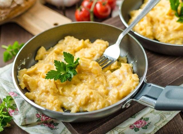 hot scrambled eggs pan