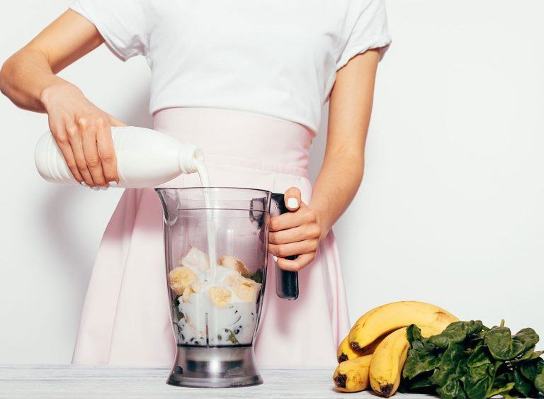 You May Be Drinking Your Smoothie Wrong, Expert Says